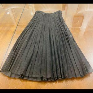 Zara pleated skirt size M
